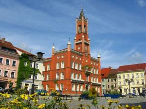 kamenz_marktplatz_mit_rathaus